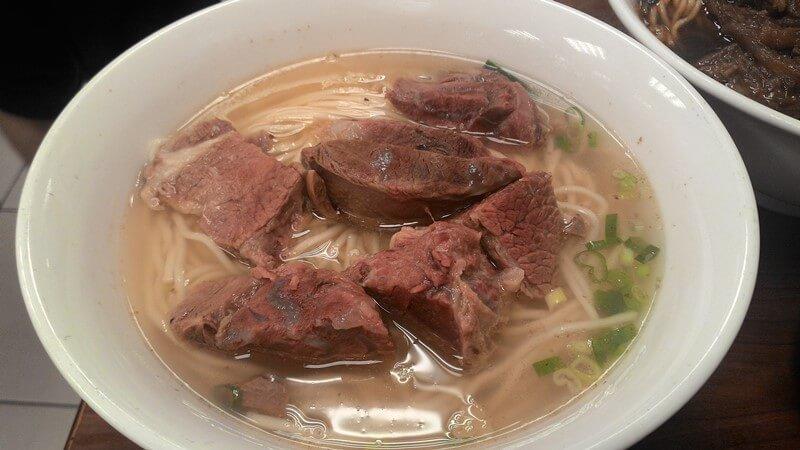 永康牛肉麵的清燉牛肉麵