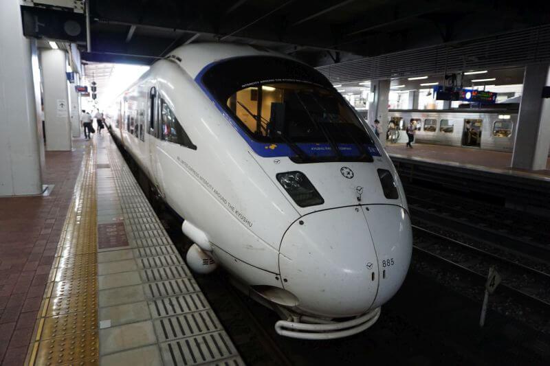 海鷗885系九州特快列車