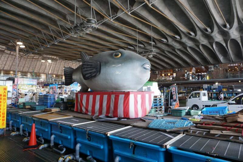 唐戶市場的河豚雕像