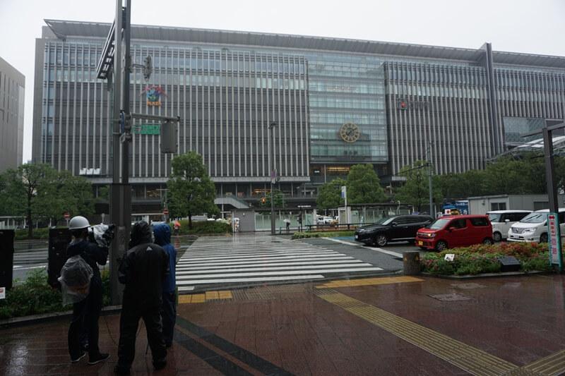 颱風天的博多車站
