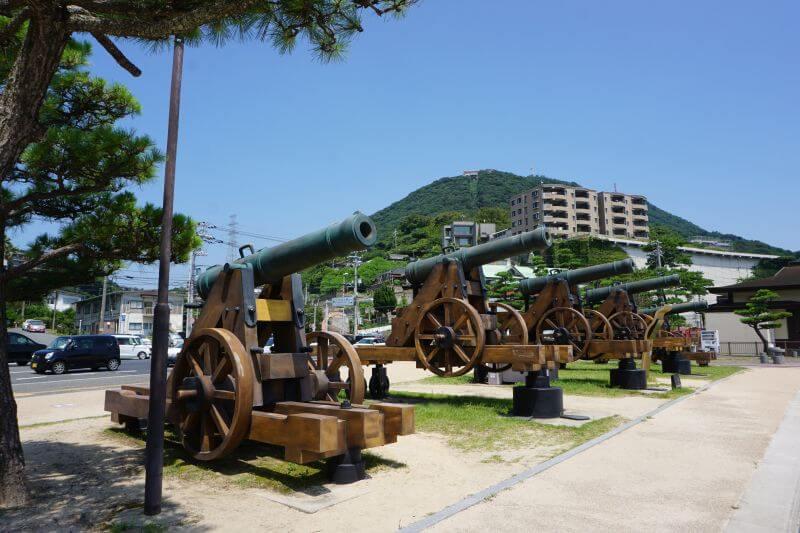 御裳川公園砲台2