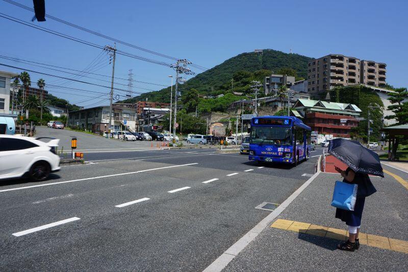 御裳川公園旁公車站牌