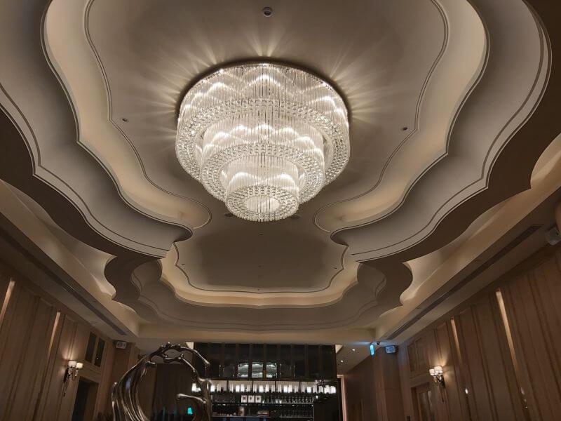 澄鐵板燒的大廳燈飾